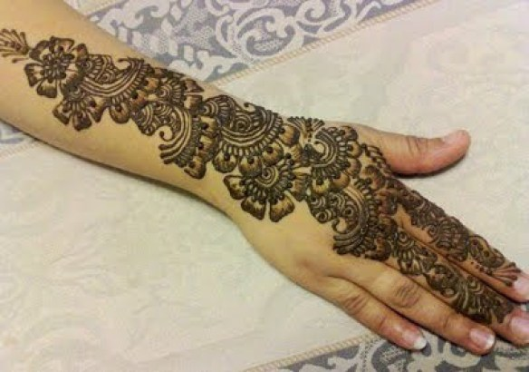 Superb Pakistani Eid Ul Adha Mehndi Designs 2014 2015 for Hot Girls (4)