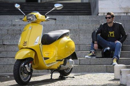scooter vespa sprint 150