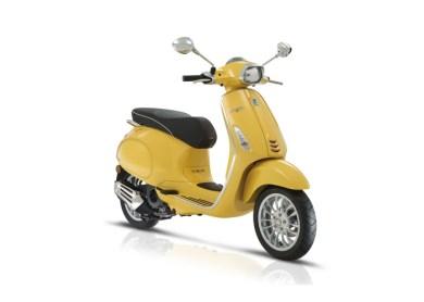 vespa amarela sprint 150