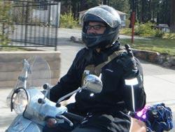 Eric Almendral, Scooterist