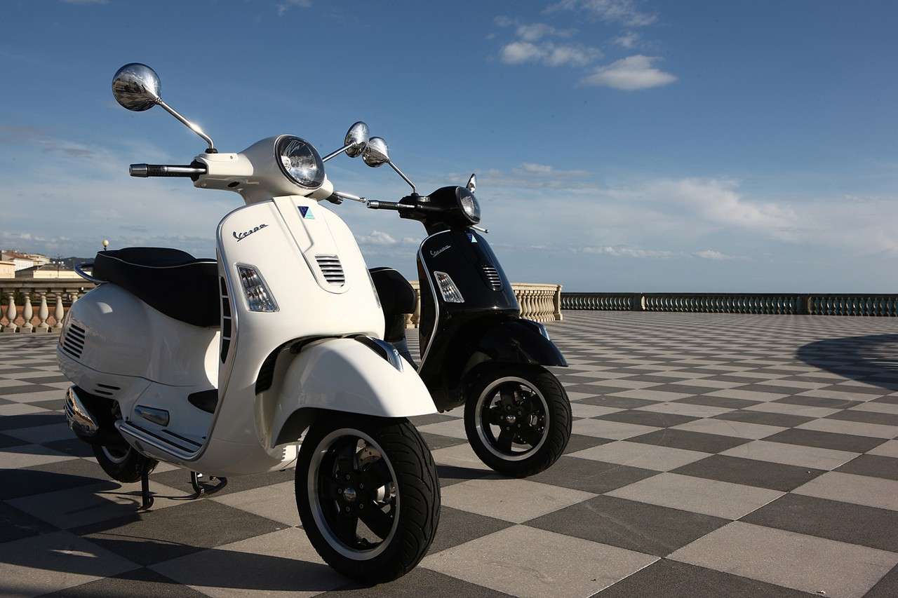 the best scooters for big and tall riders scooterfile scooterfile. Black Bedroom Furniture Sets. Home Design Ideas