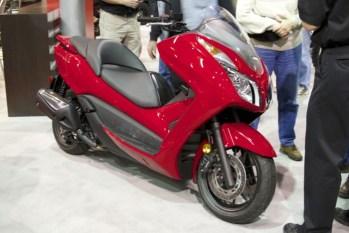 Honda Forza 300 - 01