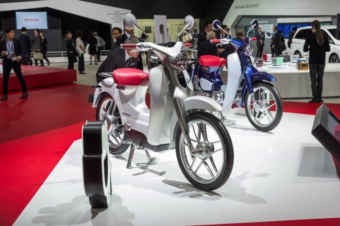 Old Honda Cub meets new Honda EV-Cub