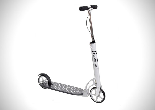 XOOTR Adult Kick Scooter