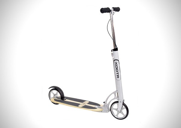 XOOTR Cruz Teen/Adult Kick Scooter