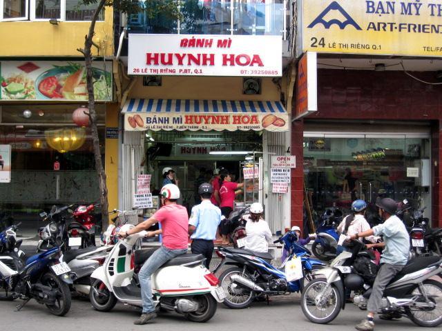 Banh Mi Huynh Hoa