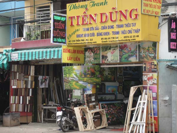 1. Tran Phu street - paintings street