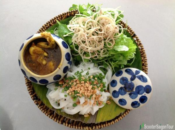 Quang Style Noodle with Frog