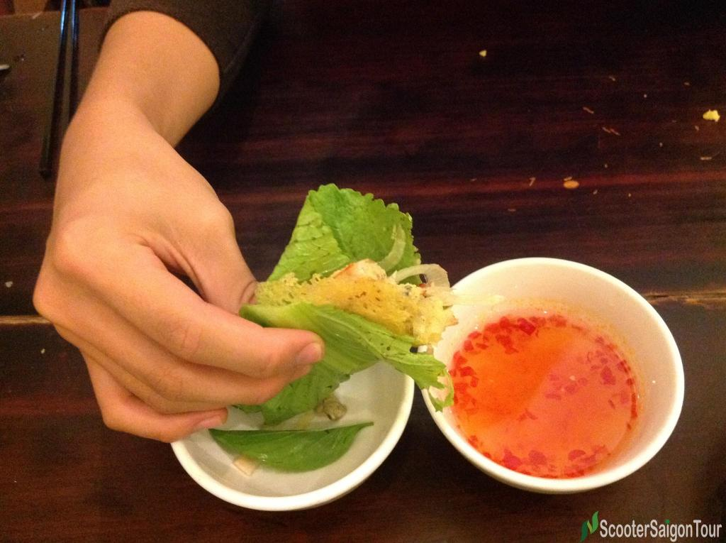 how to eat banh xeo or vietnamese pancake (2)  tracy do