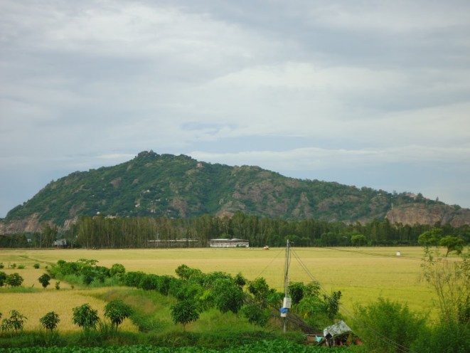sam-mountain-in-chau-doc