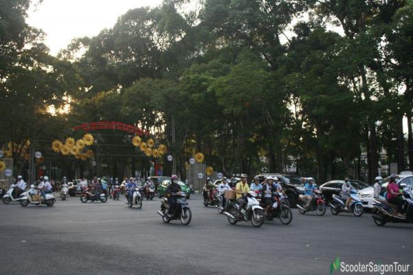Crazy Traffic In Saigon Tracy 2