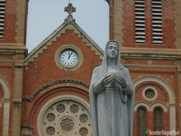 Statue In Front Of Notre Dame Cathedral In Saigon Tracy 4