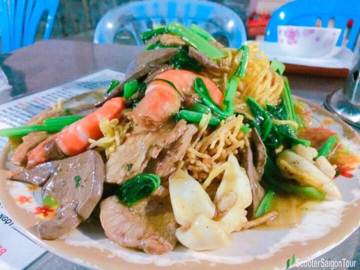 Vietnamese Crispy Fried Noodles Or Mi Xao Don
