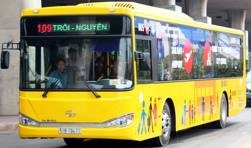 How to reach the center of Ho Chi Minh City from Tan Son Nhat Airport