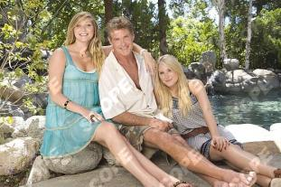 DAVID HASSELHOFF WITH DAUGHTERS