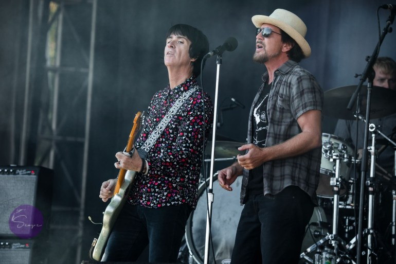 Johnny Marr and Eddie Vedder. (Copyrighted 2018. The Scope Weekly/Neil Van)