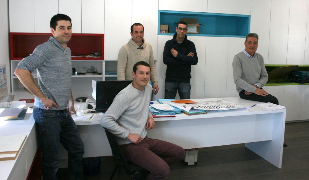 L'équipe de la SCOP Laporte à Samadet, agencement et ébénisterie