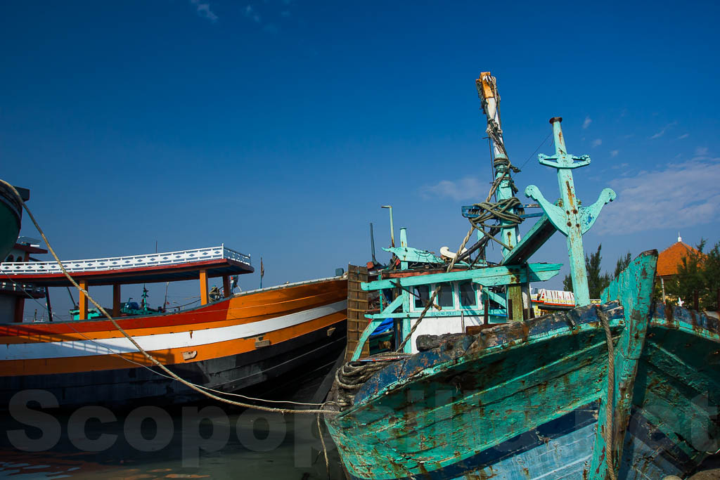 Pelabuhan Perikanan pantai Tegal Sari