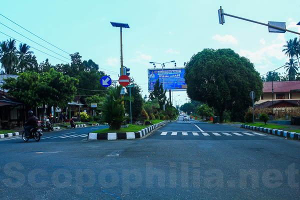 Jalan di pusat kota