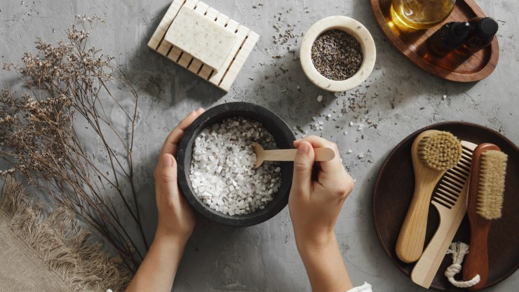 Making a bath salt kit for the skincare obsessed.