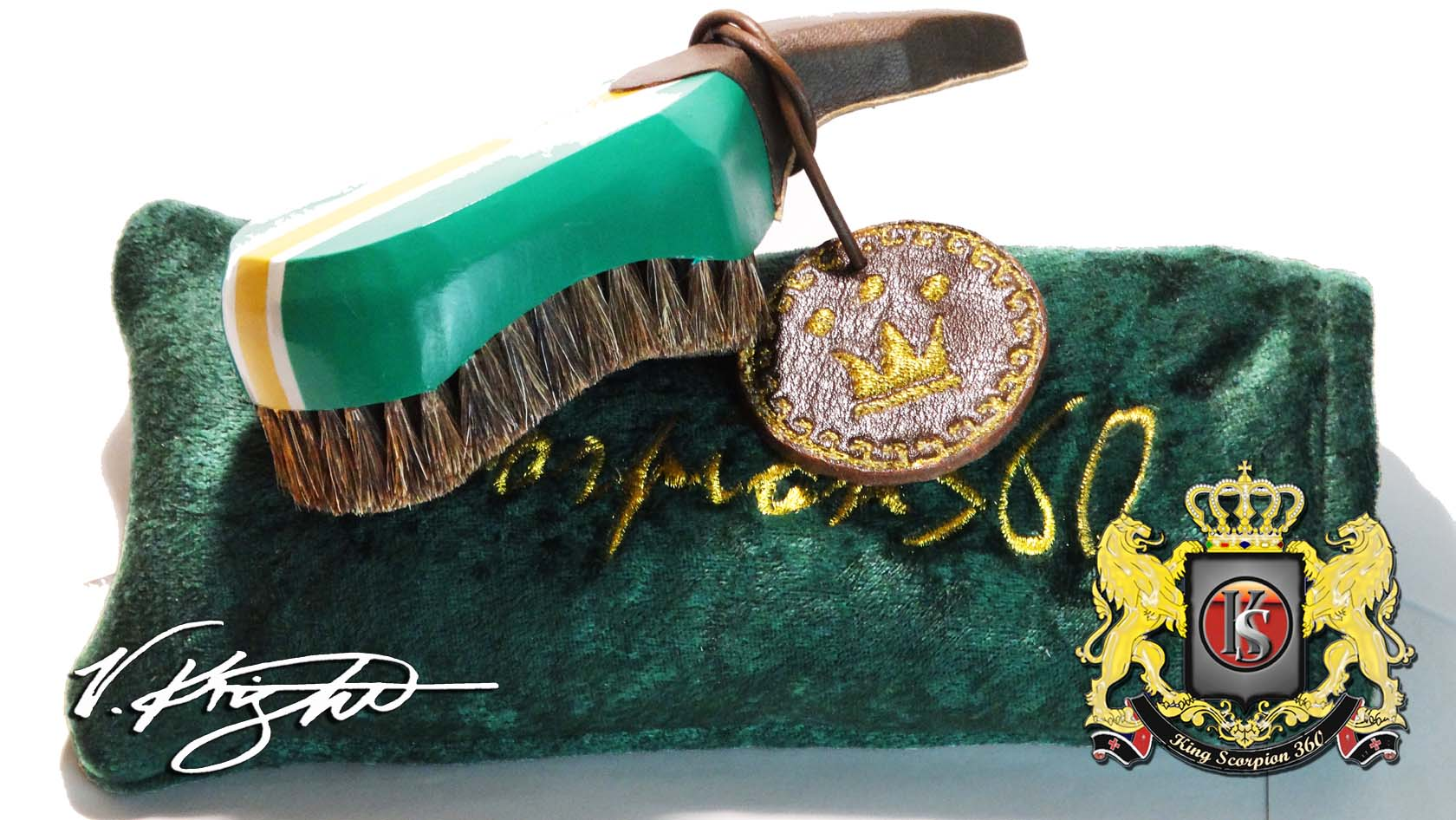 Green Horse Hair Club 360 Wave Brush Plus Velvet Pouch