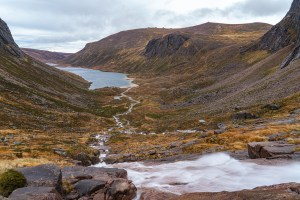 Photo of the Feith Bhuidhe stream rushes and slides down granite slabs towards Loch Avon