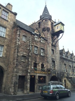 More awesome pubs & buildings.