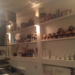 I loved the back of the bar. Gives me inspiration for my one-day kitchen.