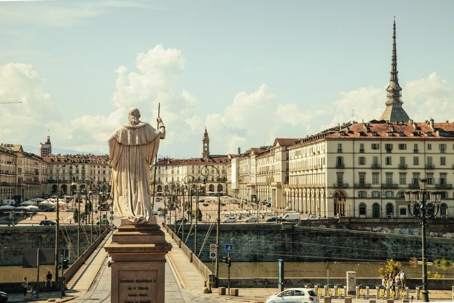 piazza-vittorio-438449_1280