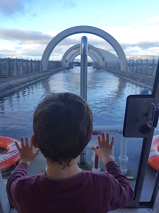 Visiting the Kelpies with Kids - Falkirk 2020