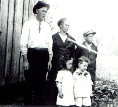 Everett BLEDSOE, Macey Belle PETERS and Family