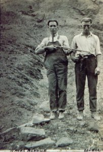 Hayes BLEDSOE and Abraham or Walter LOVELL