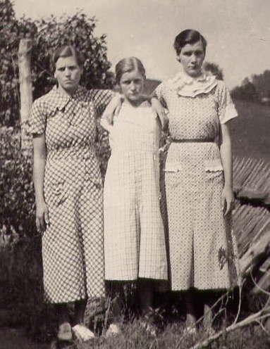 Ethel Lee, Della Mae & Venus Carole ROBERTS