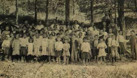 sloantownschool1918.jpg