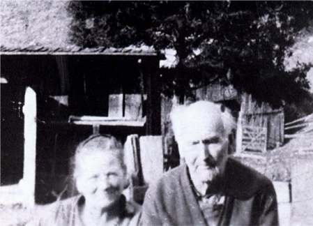 George DINGUS and his wife Gracie