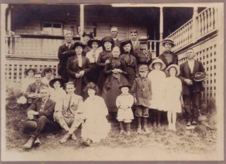 Harvey Wolfe Family Gathering, Mothers Day 1915, Scott County, Virginia