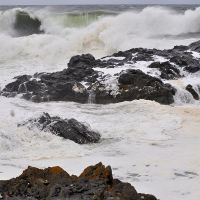 Silent Sunday  – Big Waves
