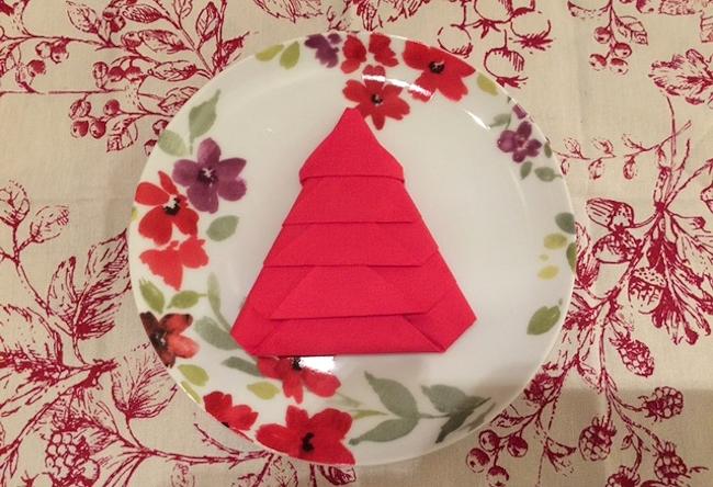 Christmas Tree Napkin Fold 2