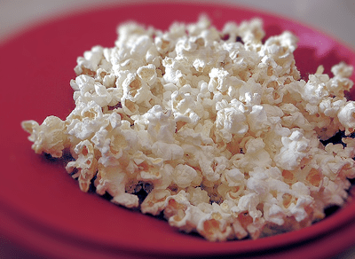 Making Sweet Microwave Popcorn – Like The Cinema