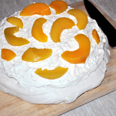 Review: Kenwood KMX54 kMix Stand Mixer with Peach Pavlova Recipe