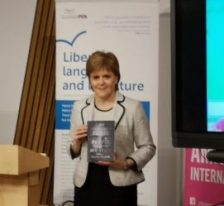 Nicola Sturgeon with Behrouz Boochani's book