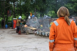 Our ceramics technician Beth watching an iron pour.
