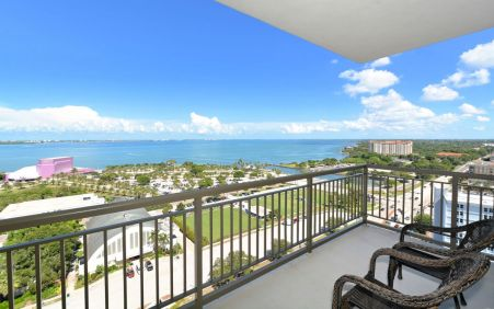 17th Floor 3BR 3.5BA + Den listing for sale in Alinari located in downtown Sarasota FL