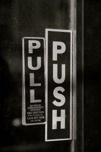 Door_with_both_push_and_pull_signs