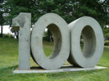 A sculpture of the number of 100