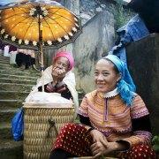 women_stairs