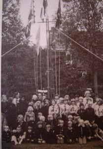 Groepsfoto 1976 ter gelegenheid van het 30 jarig bestaan