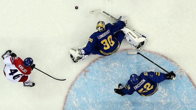 Czechs' Goal Shouldn't Have Counted vs. Sweden