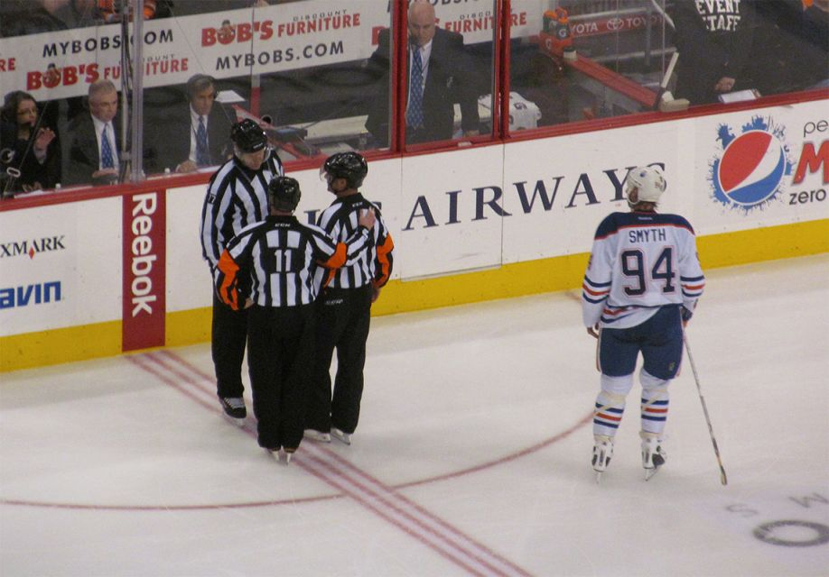 Today's NHL Referees (Early Games) – 4/13/14