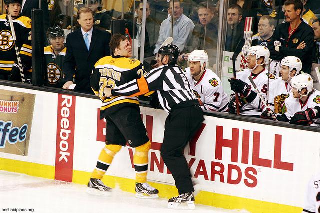 Tonight's NHL Referees – 4/8/14